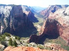 Zion_canyon_big[1]