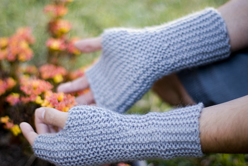 GARTER STITCH MITTS