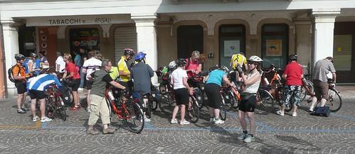 El grupo haciendo un alto en Marostica