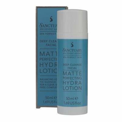 Blue/white pump of moisturiser