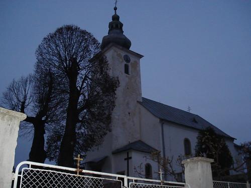 Iglesia de Čičmany al anochecer