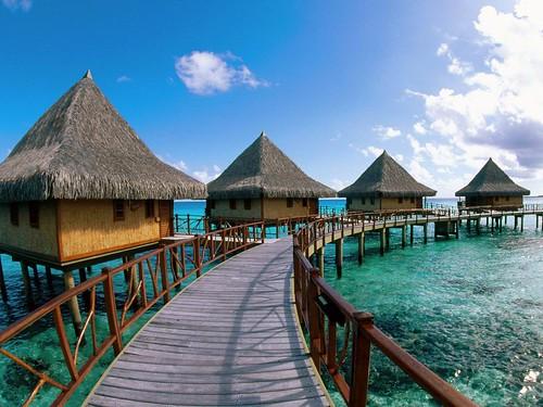 Kia_Ora_Hotel_Rangiroa_Lagoon_Tuamotu_Islands_French_Polynesia
