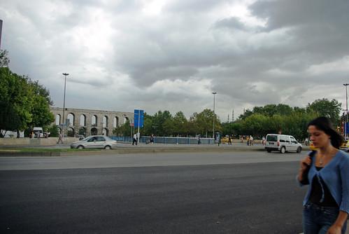 the crossroad of Aksaray, Fatih, Şehzadebaşı and Unkapanı, Bozdoğan Kemeri, Bozdogan Valens, istanbul, pentax k10d