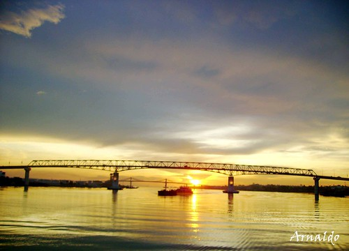 The bridges of Mactan, the old one and the new one at a distance.