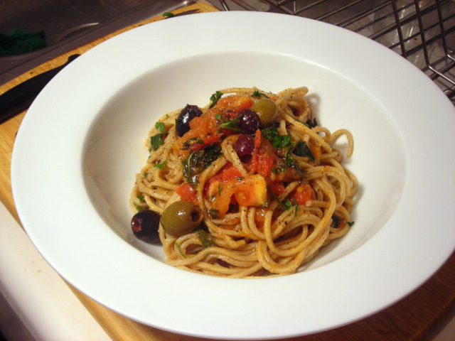 Whole wheat spaghetti with Jersey tomato sauce, anchovy and mint
