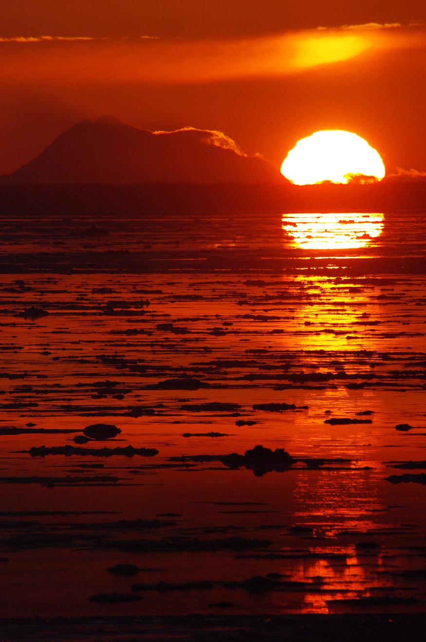 IMGP2463 875 Redoubt Sunset