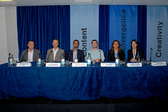 Online advertising panel
