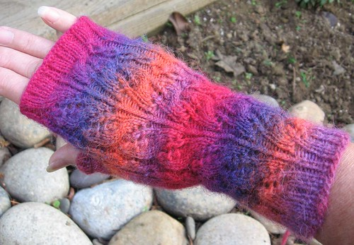 * Oooh, gorgeous!  The yarn colors, too.  ;)