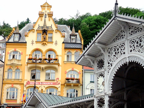 Karlovy Vary: Market spring colonade