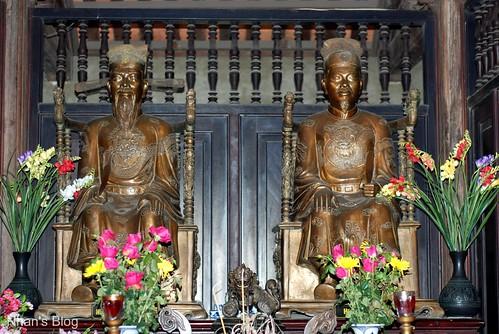 Ban thờ Nguyễn Tri Phương & Hoàng Diệu