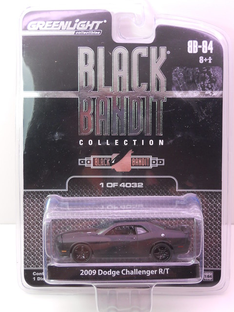 greenlight black bandit 2009 dodge challenger RT (1)