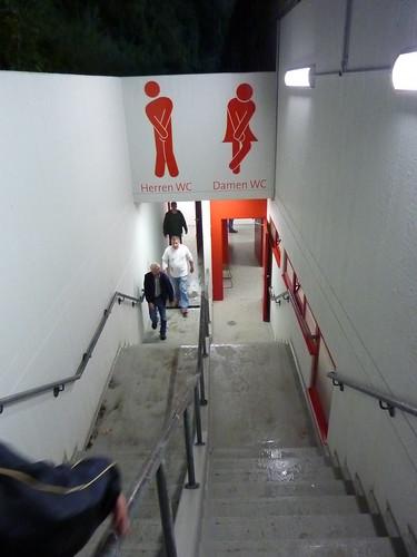 Neu gestalteter Toiletteneingang
