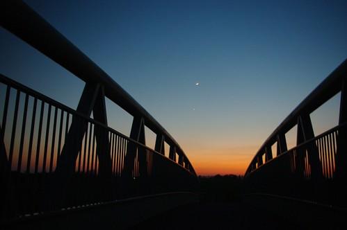 20100416-07_Sunset behind Lawford Heath + footbridge over RWRR by gary.hadden