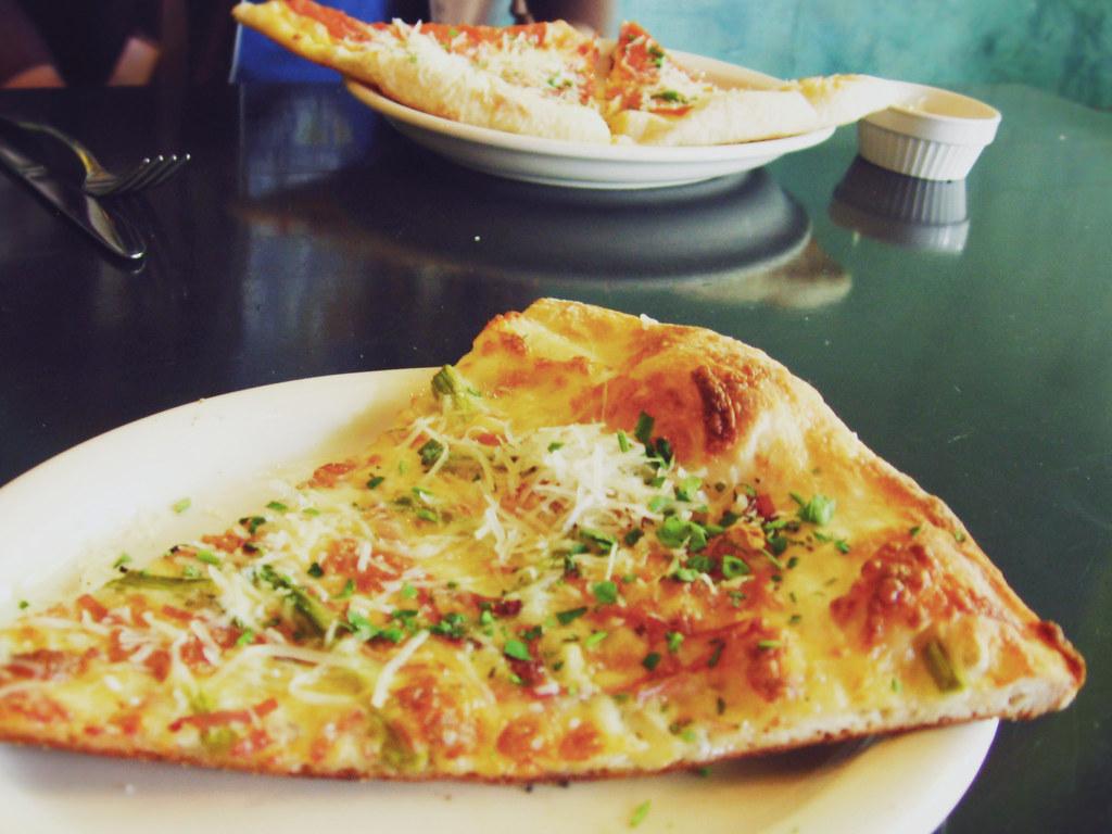 asparagi pizza! (by rocketcandy)