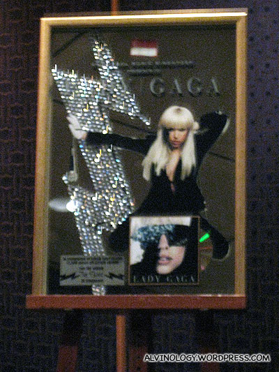 Lady Gaga albums platinium plaque