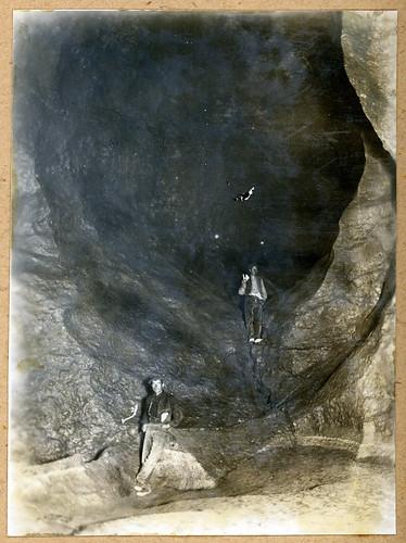 ADACAS - 08-3: Cuevas de Chaves, Bastarás, Huesca. 1921-1924
