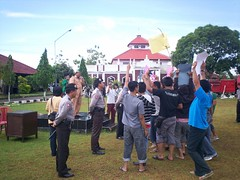 Personil Dalmas Rayonisasi sedang melaksanakan Pam Unras