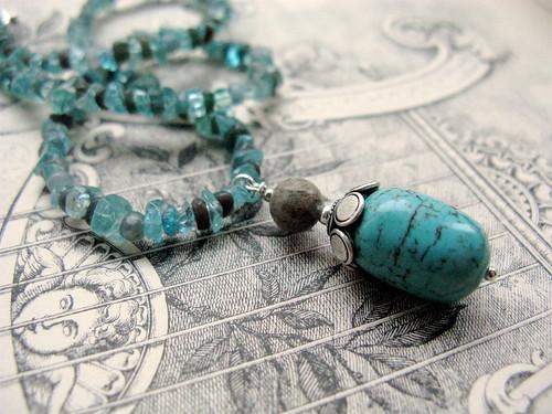 Seafoam necklace (version 2)