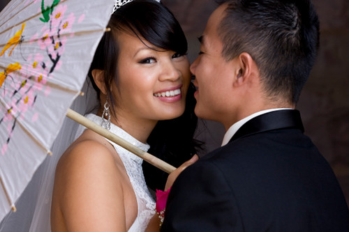 weddingdress_closeup