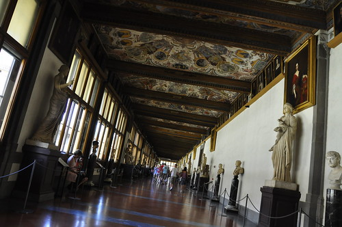 illegal Uffizi interior shot