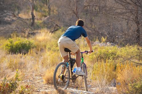 Haciendo el indio con la bici (III)