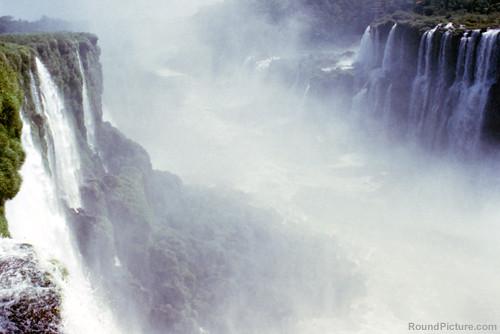 Argentina - Iguazu Falls - La Garganta del Diablo 2