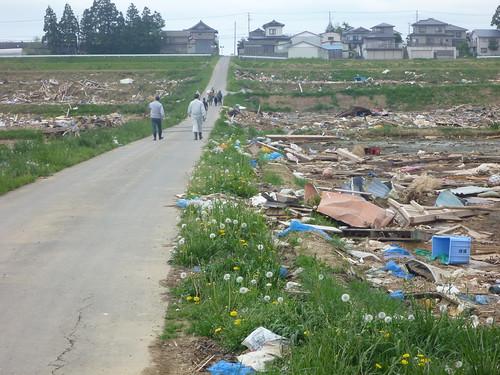 気仙沼(波路上)でボランティア Kesennuma, Miyagi pref. Deeply damaged area by the Tsunami of Japan quake