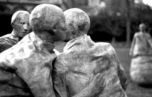 Juan Muñoz, Last Conversation, Hirshhorn Sculpture Garden, Washington, D.C. (Ilford Pan F Plus. Nikon F100. Epson V500.)