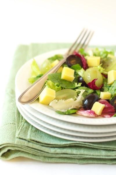 Salade raisins, comté et vinaigre de groseilles