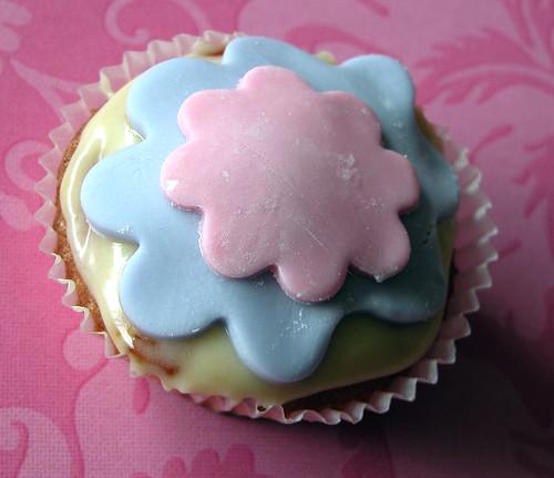 Flowey cupcake