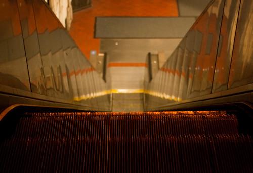 24th St BART escalator