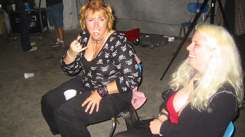20081115 - SubGenius Devival in Baltimore - 171-7137 - Tabbitha - fangs, devil horns, Carolyn - please click through to leave a comment on FlickR