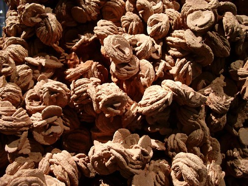 Desert roses - a naturally occurring formation of Barite