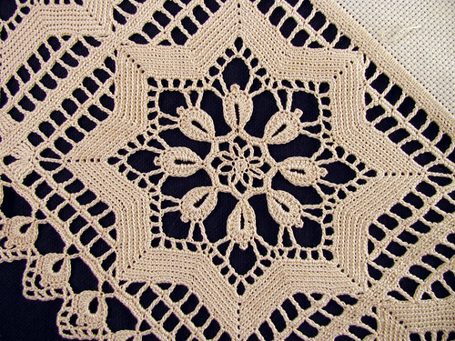 Crochet-Lace-Border-CloseUp