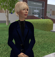 Saffia In Jean (close-up)