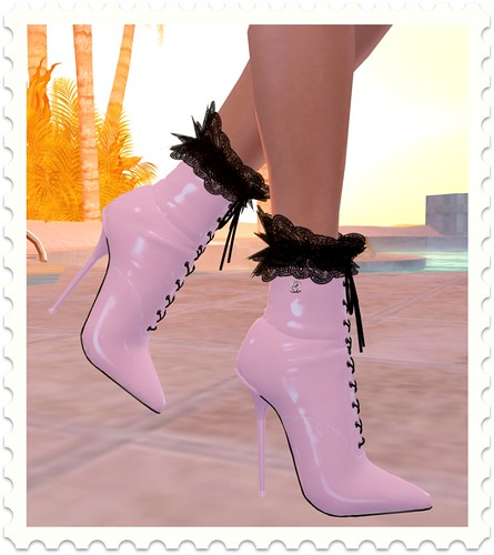 BAX Coen boots! Patent Pink by you.