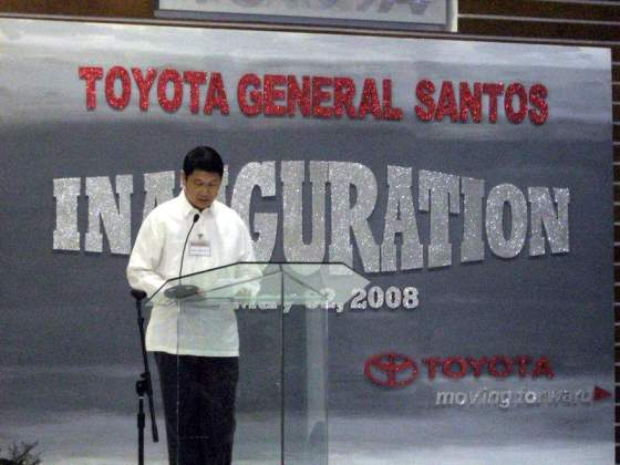 This time, Mayor Acharon keynotes the Inaugural Dinner for the new Toyota GenSan on May 2008.