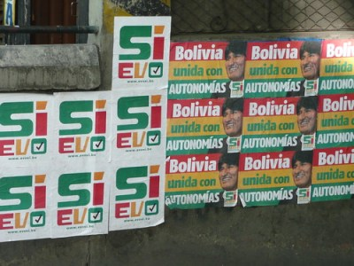 A 2008 campaign poster supporting President Evo Morales' changes to the Constitution - Photo: Chupacabras/Flickr