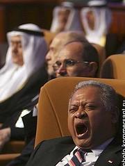 Tertidur ditengah rapat bersama negera lain
