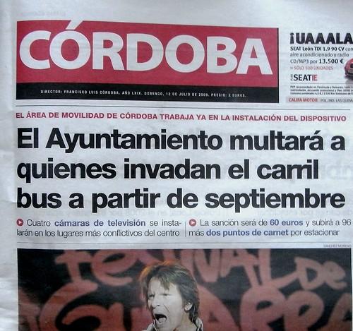 El Ayuntamiento multara a los que invadan el carril bus taxi a partir de septiembre.