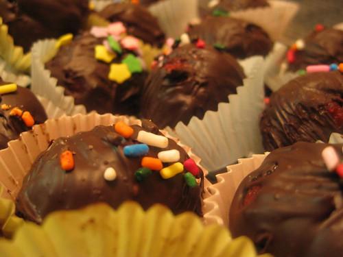 Red velvet cupcake truffles