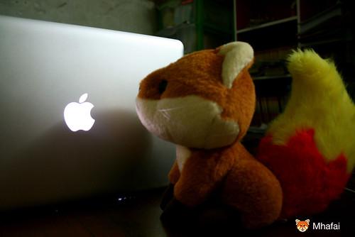 Foxkeh and Unibody MacBook