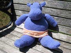 Toy_2009_06_13_HappyHippo01