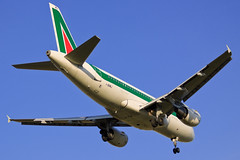 Alitalia Airbus A319-118 I-BIMJ