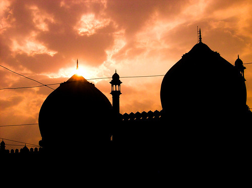 Taj-ul-Masjid como resumen de belleza.
