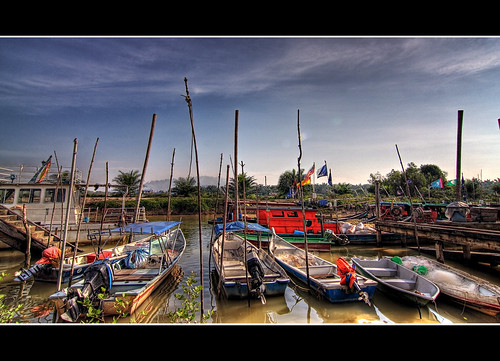 boat nelayan kelanang