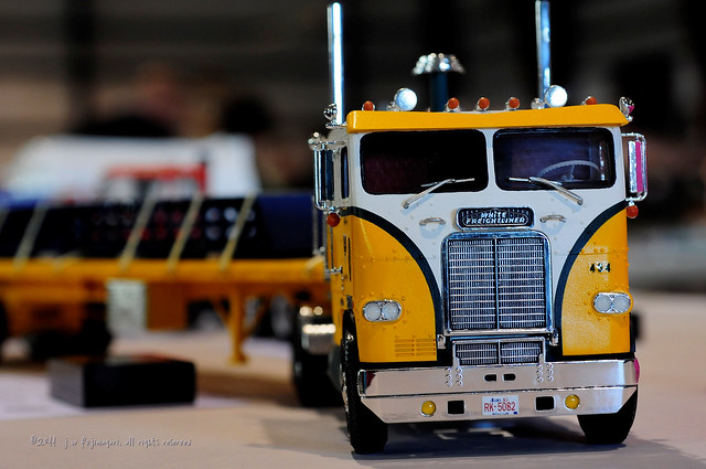 White Freightliner Cabover - Tri-Line