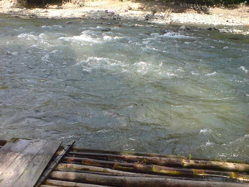 Sungai di Desa Alat