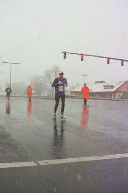 Rob at mile 24 of Frederick Marathon