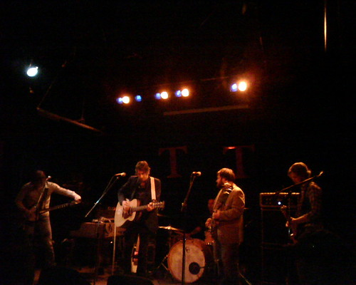 Everest, Tractor Tavern, 3/5